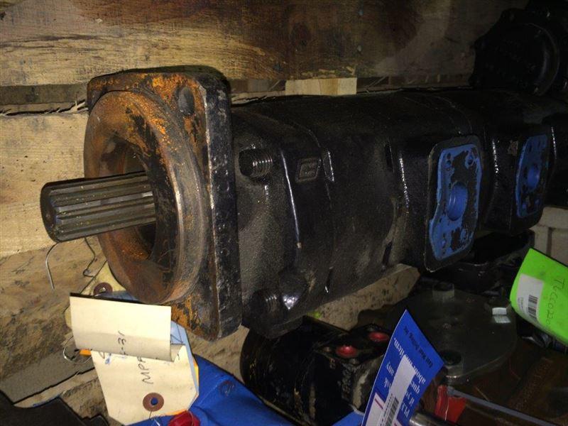 1452189-R P350 Triple Piggyback Hydraulic Pump | Best Used ...