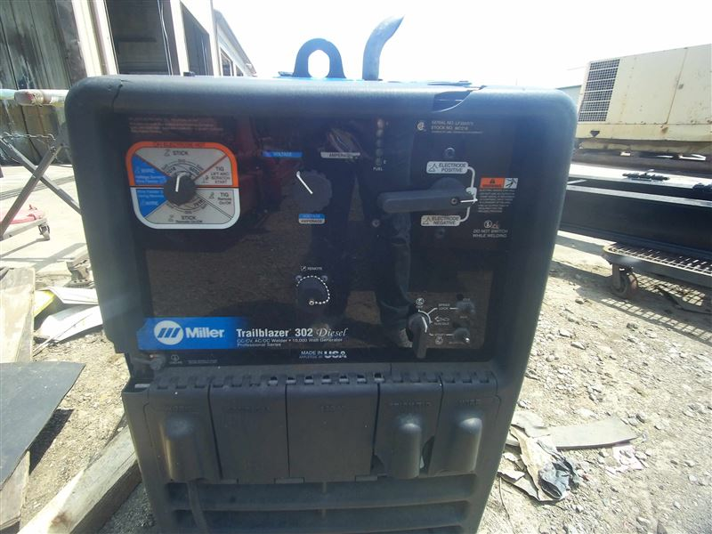 trailblazer 302 Miller trailblazer 302 welder #907549001 provides an all in one machine welder, generator, air compressor and battery charger adding.